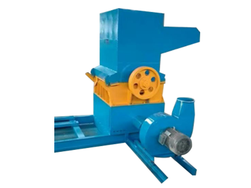 Chaff crusher for palm tree